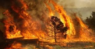 modica-incendio-sulla-costa-fiumelato-400